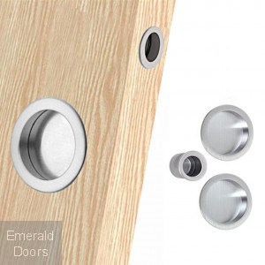 Eclisse Flush Pull on Oak Door