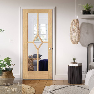 Oak Reims 5L Clear Glazed Internal Door Fully Finished